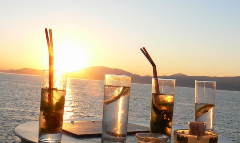 Mojitos & A Sunset In Hydra
