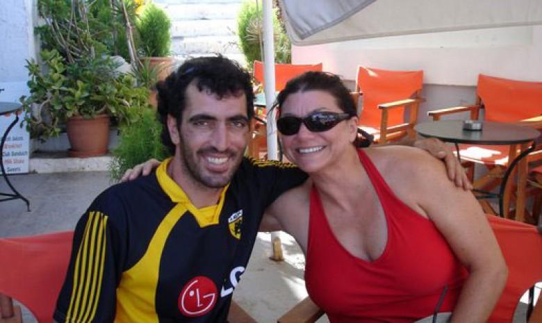 Poco Loca Antonis & Captain Valerie